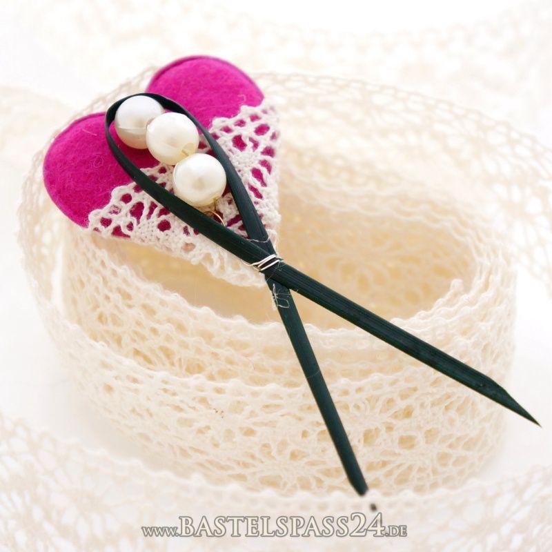 Hochzeits anstecker selber machen g steanstecker f r hochzeit mit filzherzen un - Bonboniere selber machen anleitung ...