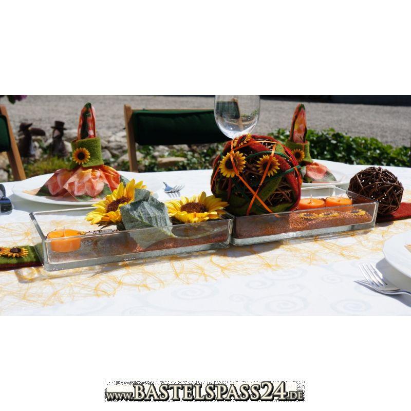Herbstdeko für den Tisch mit Sonnenblumen, Filzblumen und Wollband ...