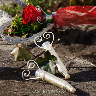 orchideenr hrchen f r rosen und blumen mit kordel umwickelt creme wei l. Black Bedroom Furniture Sets. Home Design Ideas