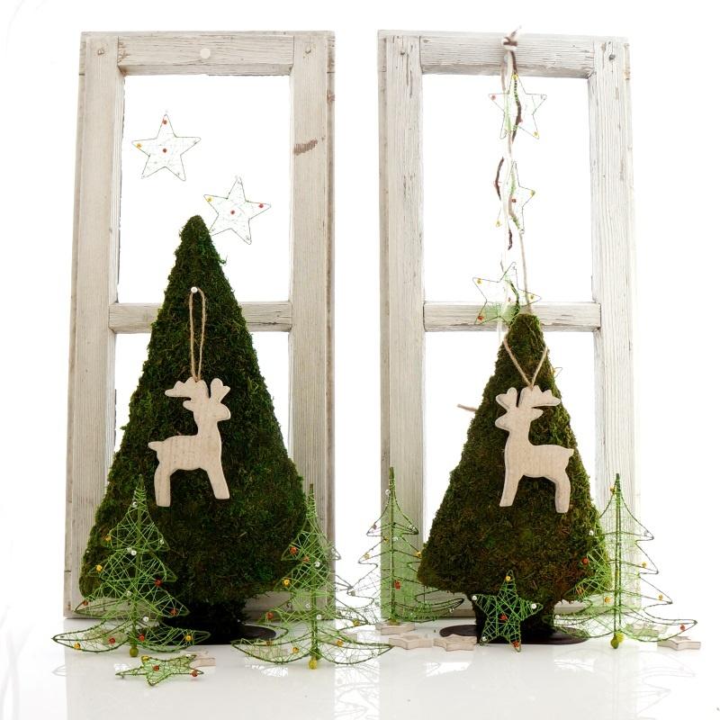 Fensterdeko aus landhaus deko zum basteln f r advent und for Gestecke basteln weihnachten