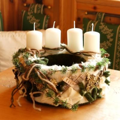 Adventskranz Selber Machen Mit Viel Wollband Und Naturdeko Ganz Im La