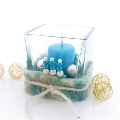 Tischdeko weihnachten silber blau  Tischdeko Weihnachten Glaswürfel blau silber dekoriert mit Wollba