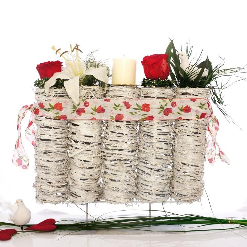 tischdeko fr hjahr selber machen mit frischblumen oder kunstblume. Black Bedroom Furniture Sets. Home Design Ideas