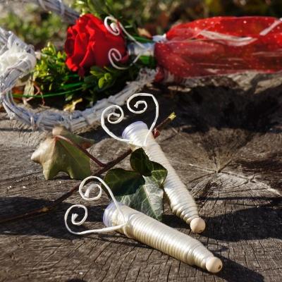 Orchideenrohrchen Fur Rosen Und Blumen Mit Kordel Umwickelt