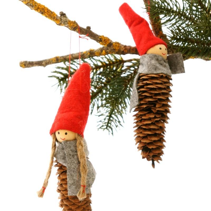 Weihnachtsdeko wichtel h 16 cm junge u m dchen zum h ngen for Weihnachtsdeko mit tannenzapfen