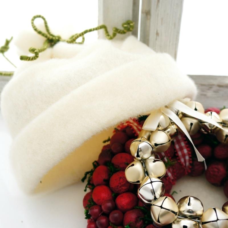 t rkranz weihnachten mit wollband im landhausstil roter fr. Black Bedroom Furniture Sets. Home Design Ideas
