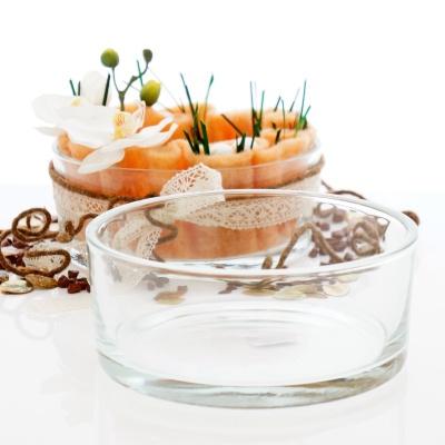 Tischdeko hochzeit f r runde tische mit runder glasschale for Blumen tischdeko hochzeit runde tische