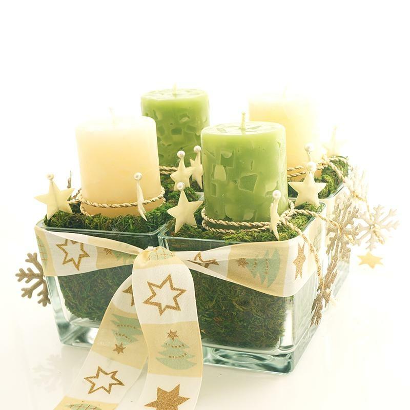 adventsgesteck mit vier kerzen in glasvasen sehr nat rlich. Black Bedroom Furniture Sets. Home Design Ideas