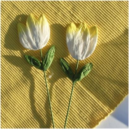 tulpen aus papier am stiel 2 st ck gelb creme. Black Bedroom Furniture Sets. Home Design Ideas