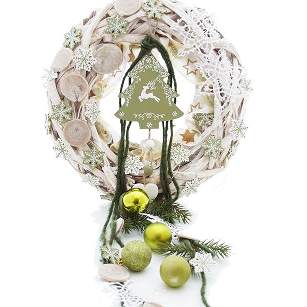 besonderer t rkranz f r weihnachten selber machen floristik basteln. Black Bedroom Furniture Sets. Home Design Ideas