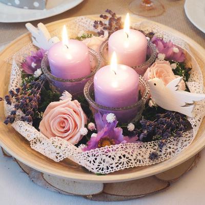 Tischdeko Runde Tische Lavendel Rosen Rosa Flieder