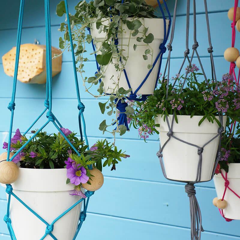 Wollschnüre für Blumenampeln selber machen